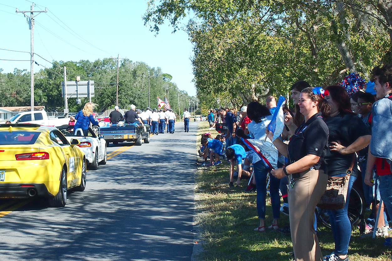 Spectators for Homecoming parade 2017 in keystone heights